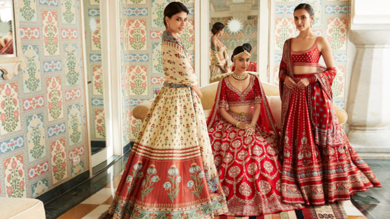 Famous Fashion Designers In India Best Indian Fashion Designers
