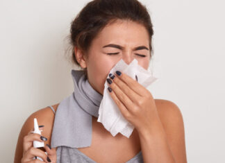 Woman Sneezing | Home Remedies for Sinus