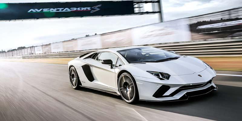 Lamborghini Aventador | Fastest Cars India