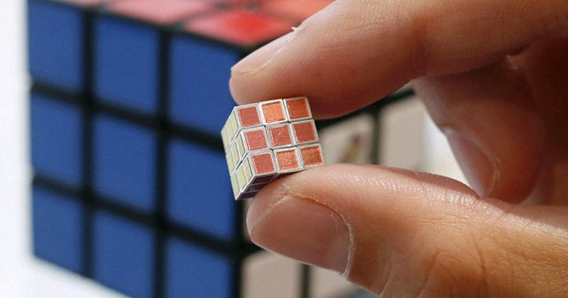 World Smallest Rubik Cube Japan