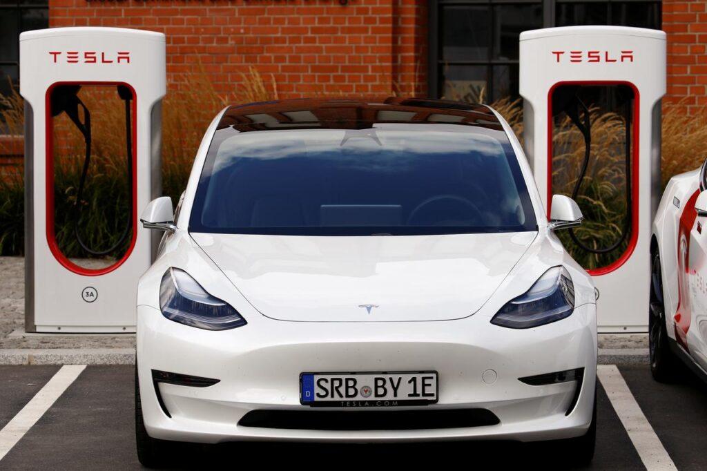tesla electric charging Berlin
