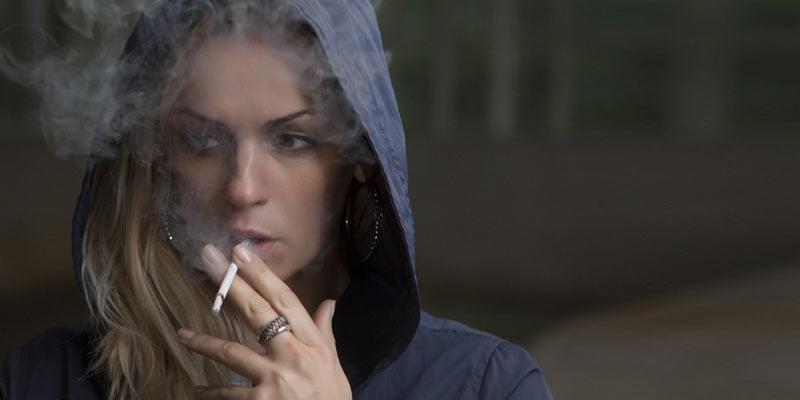 Women Smoking Cigarette | Causes of Lung Damage | Disease
