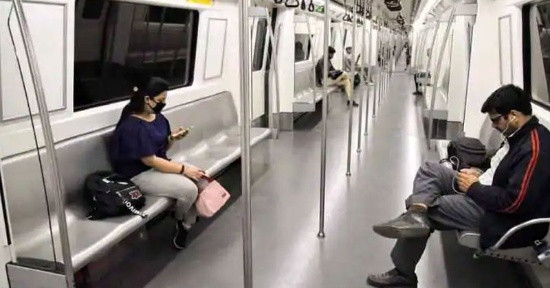 Delhi Metro Passengers Fined for Not Wearing Mask