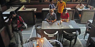 Inside of an local Mumbai Restaurant | Hotel and Restaurant Industry Mumbai slowed down due to covid