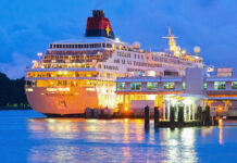 Singapore to Revive Ailing Cruise Business