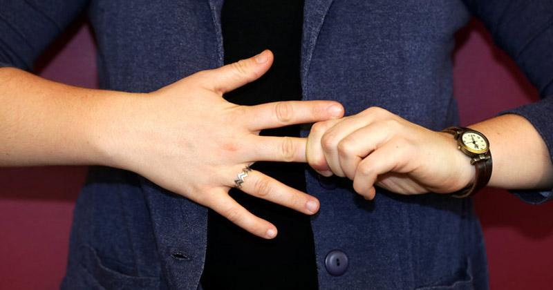 Is Finger Cracking Bad
