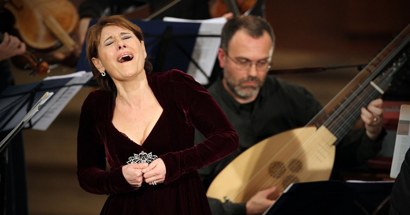 Opera Singer Singing   Can Opera Singer Break Glass