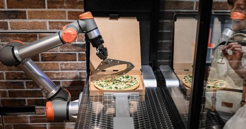 Robots Making Pizza in Paris
